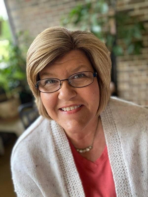 Mollie Riley : Multi-Media Marketing Consultant