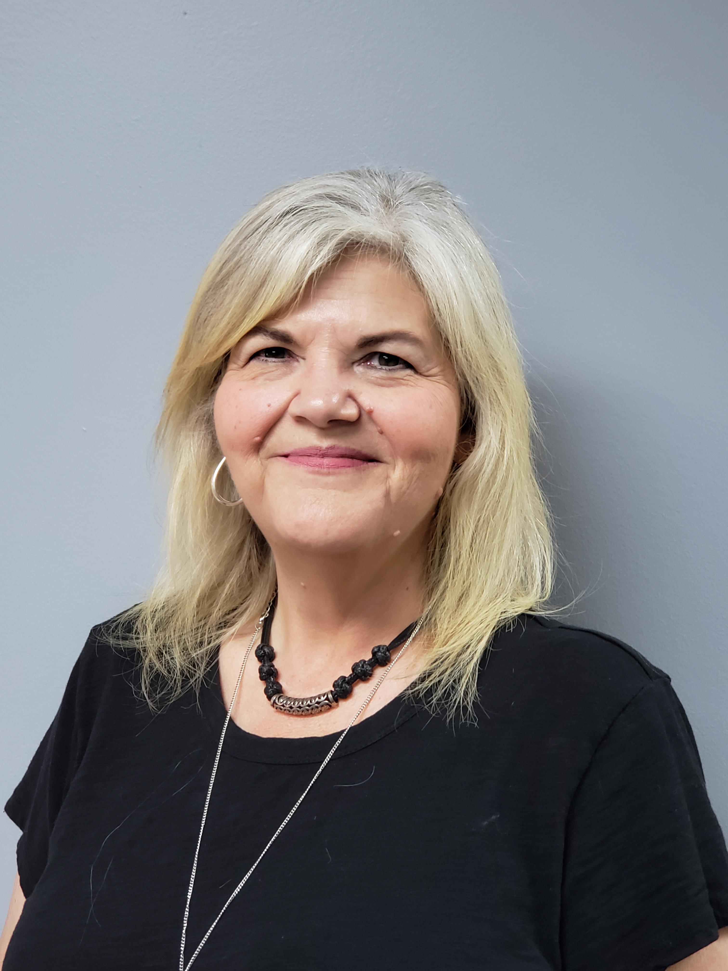 Lisa Tindell : Editor